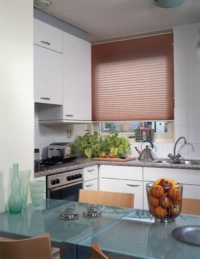 Plissee für Küchenfenster