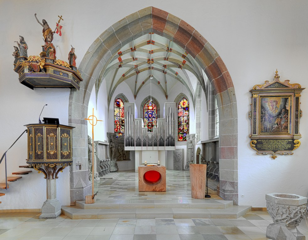 Kircheinter1_01